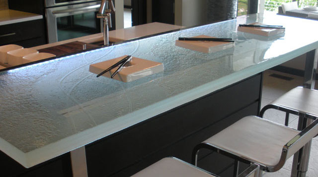 9 Reasons Why Your Bar Top Should be Glass