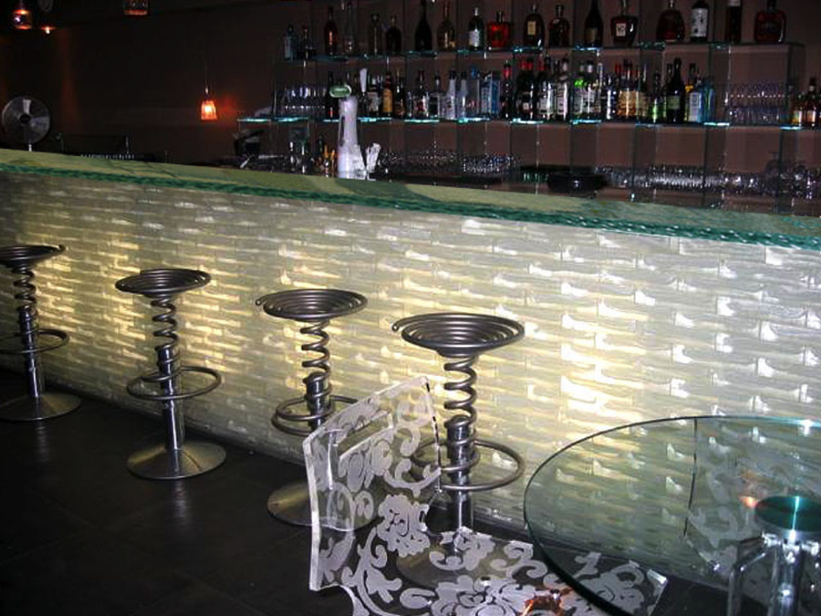 This Gorgeous Glass Bar Top Is Totally Unique And Really Grabs The  Attention Of Customers. The Glass Bar Top Includes Custom Aqua Clear Glass,  ...